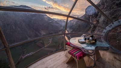 World's quirkiest hotels: Skylodge